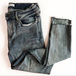 BANANA REPUBLIC • distressed skinny jeans